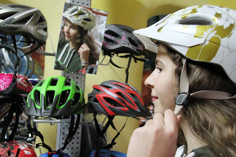 Helme und Accessoires bei Radverleih Mürner